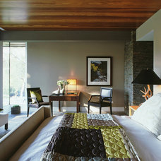 Modern Bedroom by Dufner Heighes Inc