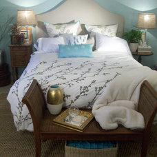 Beach Style Bedroom by Studio Raynaud Interiors