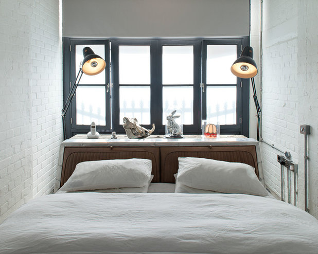 Contemporary Bedroom by Chris Dyson Architects