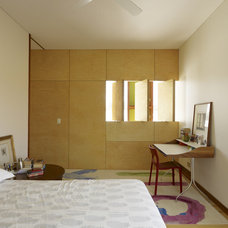 Contemporary Bedroom by Sam Crawford Architects
