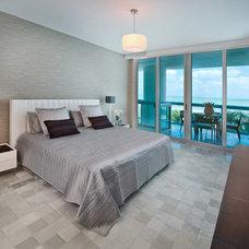 Modern Bedroom by EBL Construction