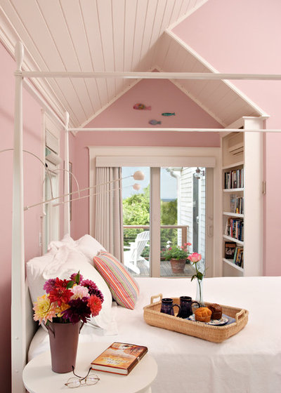 Beach Style Bedroom by Encore Construction