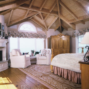 Cape Cod Upstairs Low Ceiling Bedroom Ideas And Photos | Houzz