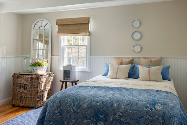 Beach Style Bedroom by kelly mcguill home