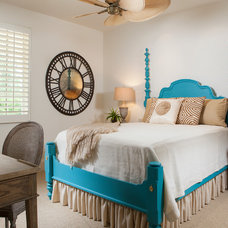 Tropical Bedroom by London Bay Homes