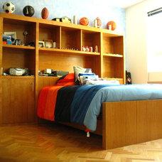 Modern Bedroom by Fernando Revah