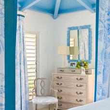 Tropical Bedroom by Gary McBournie Inc.