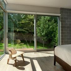 Modern Bedroom by Western Window Systems