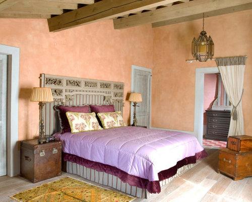 Camera da letto con pavimento in legno massello medio - Foto e ...