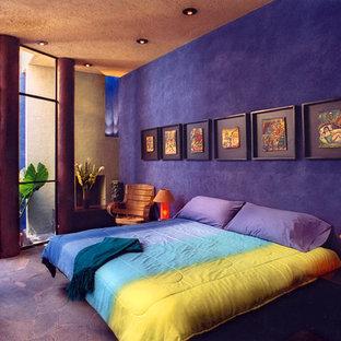 Стильный дизайн: спальня в современном стиле с фиолетовым полом - последний тренд