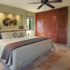 tropical bedroom by Création Maryse Crôteau