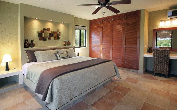 Tropical Bedroom by Création Maryse Crôteau