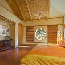 Eclectic Bedroom by Archaeo Architects