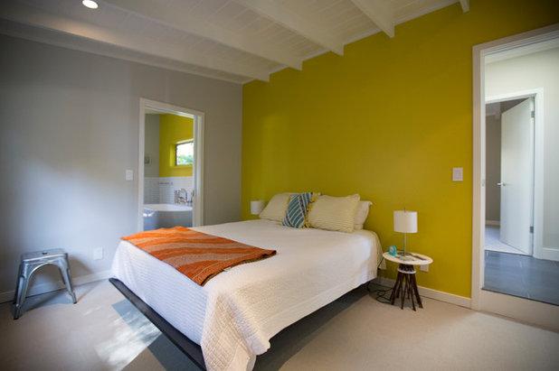 Rustic Bedroom by Boor Bridges Architecture