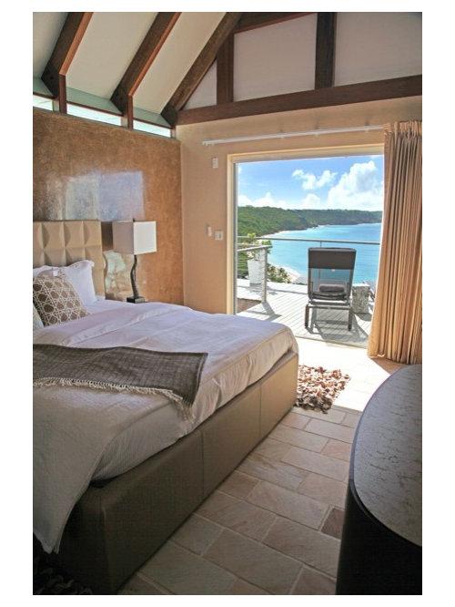 Awesome exemple duune grande chambre mansarde ou avec mezzanine bord de mer avec un sol with - Eclairage chambre mansardee ...