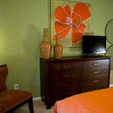 Contemporary Bedroom by Adentro Designs