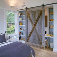 Beach Style Bedroom by Hutker Architects