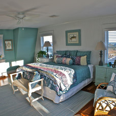 Beach Style Bedroom by Tyler and Traywick Building Company