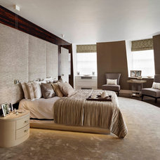 Contemporary Bedroom by Living in Space