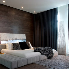 Contemporary Bedroom by Rénovation Deschênes
