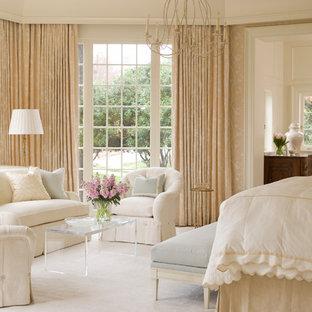 Idee per una camera matrimoniale classica con moquette