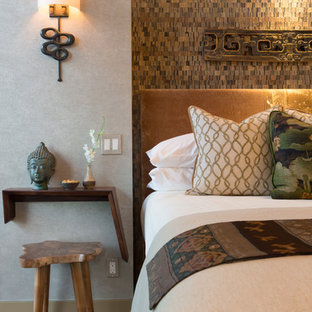 Diseño de dormitorio de estilo zen con paredes verdes