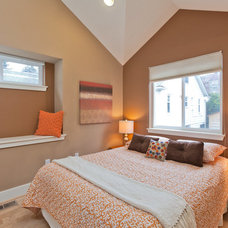 Transitional Bedroom by Seattle Staged to Sell LLC