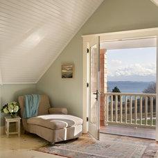 Traditional Bedroom by Aquidneck Properties