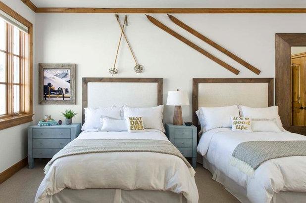 apr s ski 5 wohnideen mit skiern schlitten und schneeschuhen. Black Bedroom Furniture Sets. Home Design Ideas