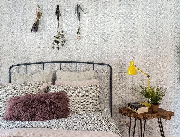 Contemporary Bedroom by LABLstudio