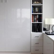Modern Bedroom by Debra Kling Colour Consultant