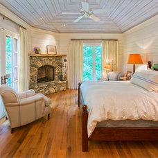 Rustic Bedroom by Platt Architecture, PA