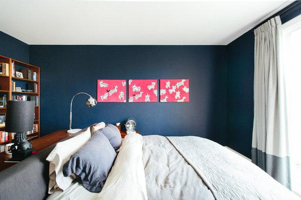Ein Bett wird zur Insel – und schafft so Platz im kleinen Schlafzimmer