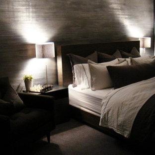 Minimalist bedroom photo in Chicago