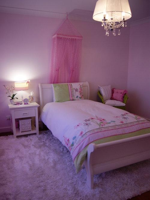 Foto e idee per camere da letto camera da letto viola a - Costo isolamento acustico camera da letto ...