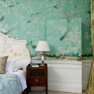 ロンドンのトラディショナルスタイルのおしゃれな寝室のインテリア