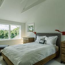 Contemporary Bedroom Circa 1700 in NY