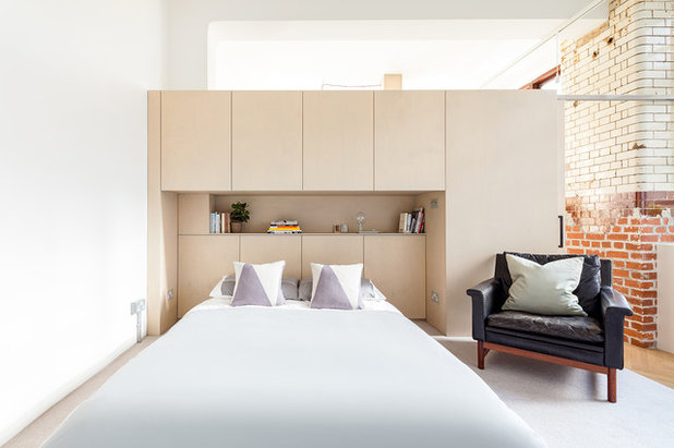 Contemporary Bedroom by Property DMR Services Ltd