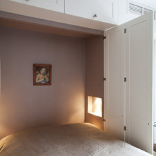 Traditional Bedroom by Sigmar
