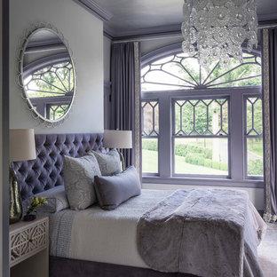 Idee per una camera da letto costiera con pareti viola
