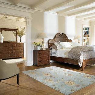 Bedroom - traditional bedroom idea in New York