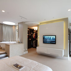 Contemporary Bedroom by VictorEric