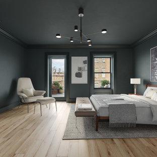 ニューヨークの広いトランジショナルスタイルのおしゃれな主寝室 (緑の壁、淡色無垢フローリング、標準型暖炉、コンクリートの暖炉まわり、ベージュの床) のレイアウト