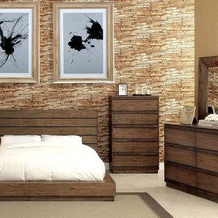 Diseño de dormitorio tipo loft, rural, con paredes marrones, suelo de madera oscura, estufa de leña y marco de chimenea de madera
