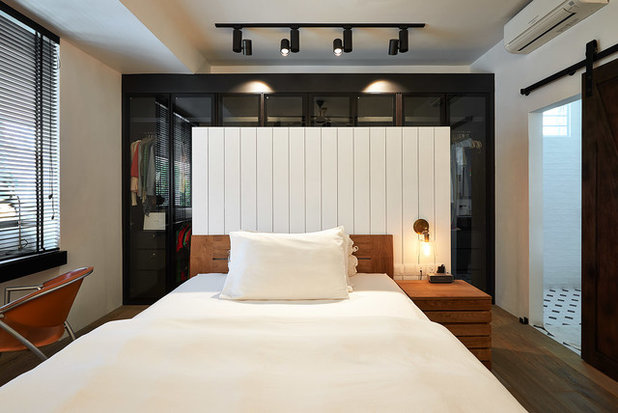 Contemporary Bedroom by Eightytwo