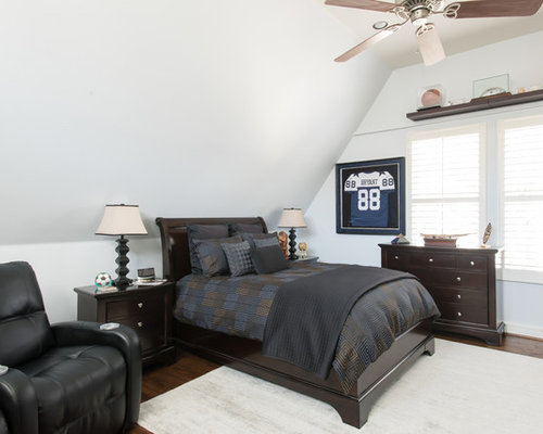 Transitional bedroom idea in Dallas. College Student Bedroom   Houzz