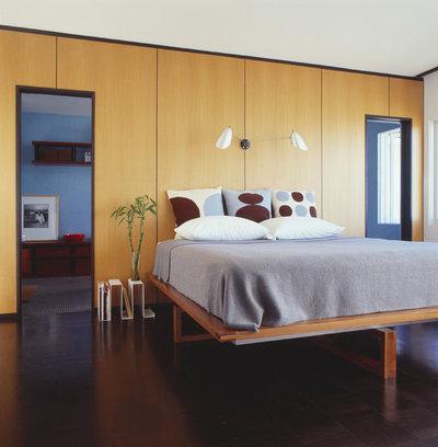 Modern Bedroom by Union Studio