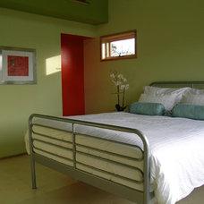 Contemporary Bedroom by David Vandervort Architects
