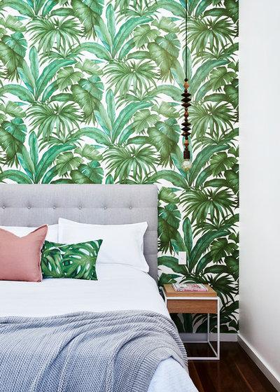 Тропический Спальня by IOANNA LENNOX INTERIORS