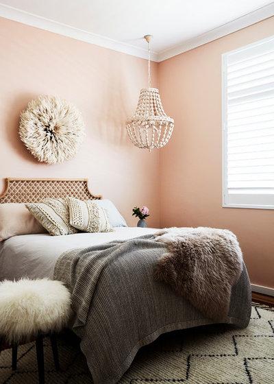 Modern Schlafzimmer by IOANNA LENNOX INTERIORS
